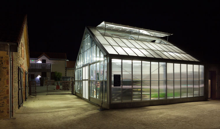 Voir The Greenhouse : organic vegetables for sale